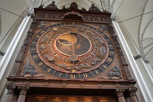reloj Rostock 1