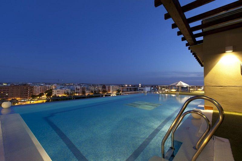 piscina hotel cordoba