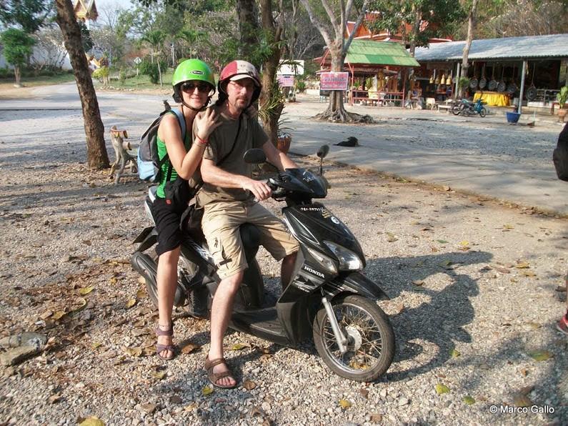 Vivir Viajando -En moto Tailandia