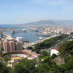 Disfruta de la Semana Santa de Málaga con una de cal y otra de arena.