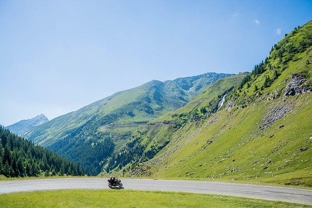 viajar en moto naturaleza