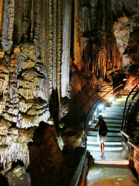 Cueva de nerja planes en Malaga en familia