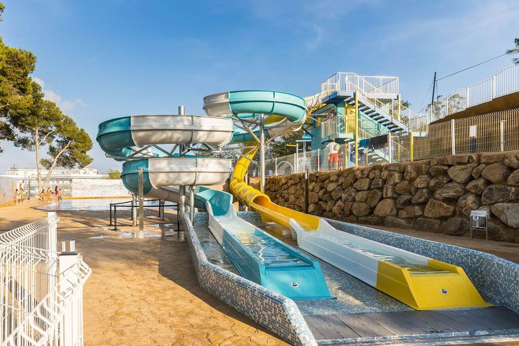 Hoteles con toboganes para familias en lloret de mar