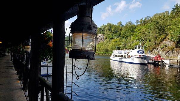 Barco de vapor por el lago Katrine