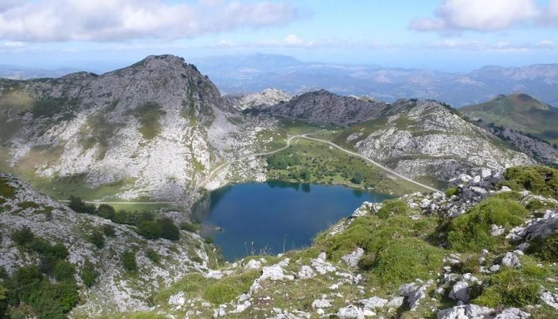 lago enol ruta picos euroa ninos