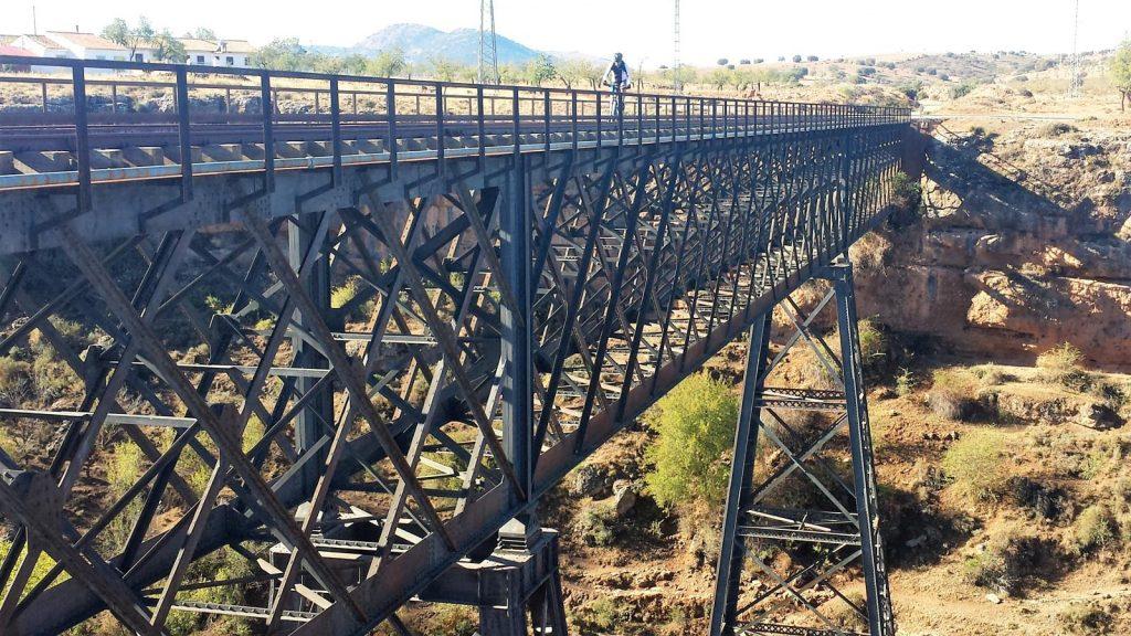 puente de hierro baza