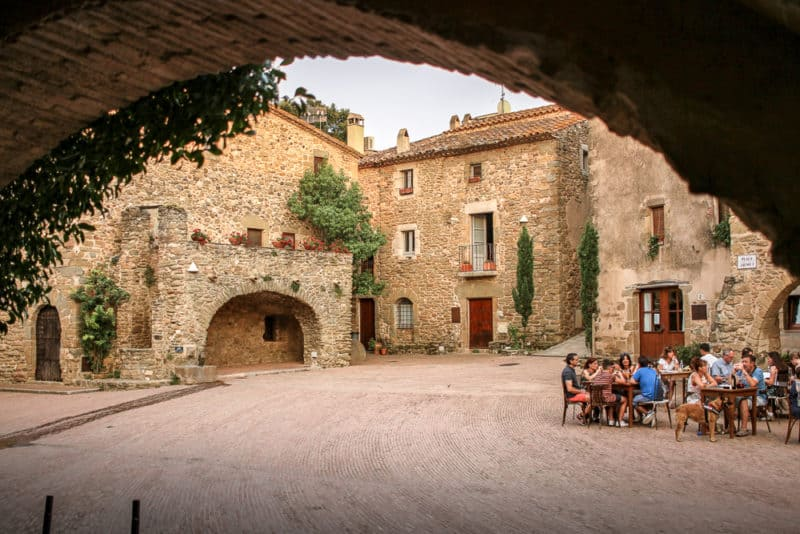 monells pueblo medieval girona