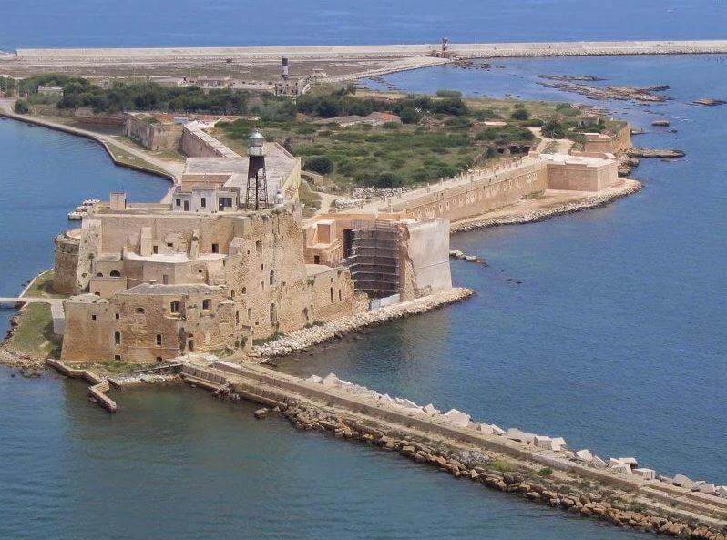 Castillo Alfonsino que ver en Brindisi