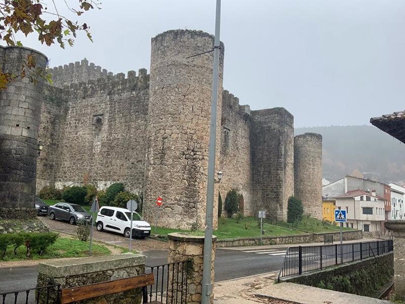El Castillo de la Triste Condesa, Arenas