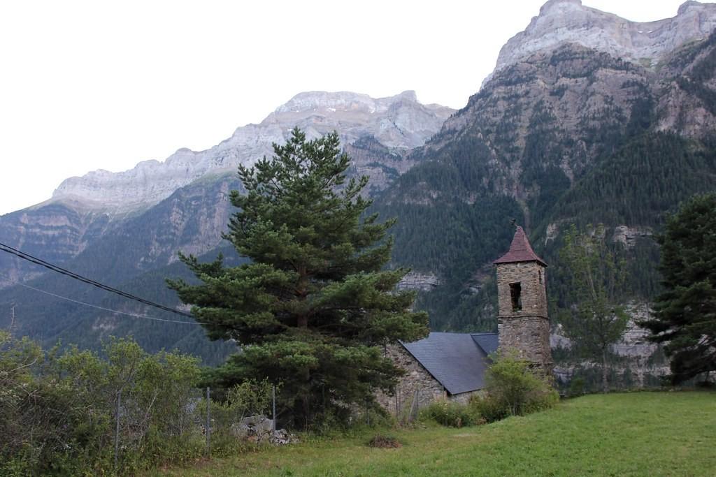 iglesia de la asuncion espierba