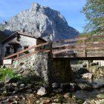 Cómo llegar a Bulnes en funicular (El pueblo más escondido de España)