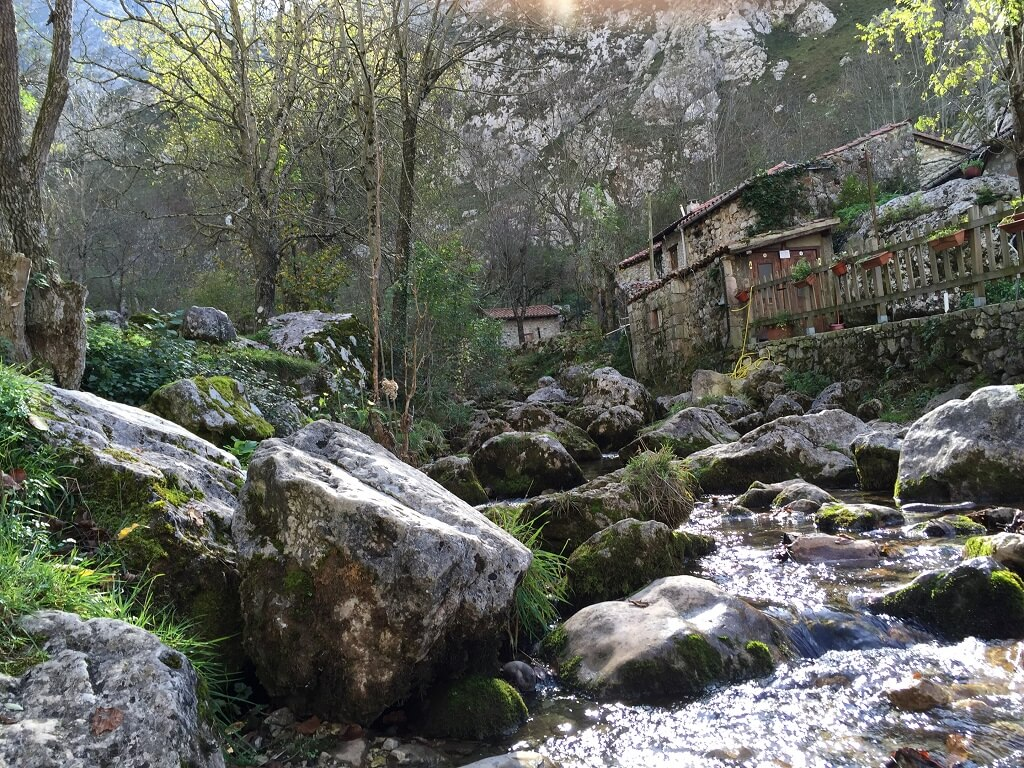 rio en bulnes asturias