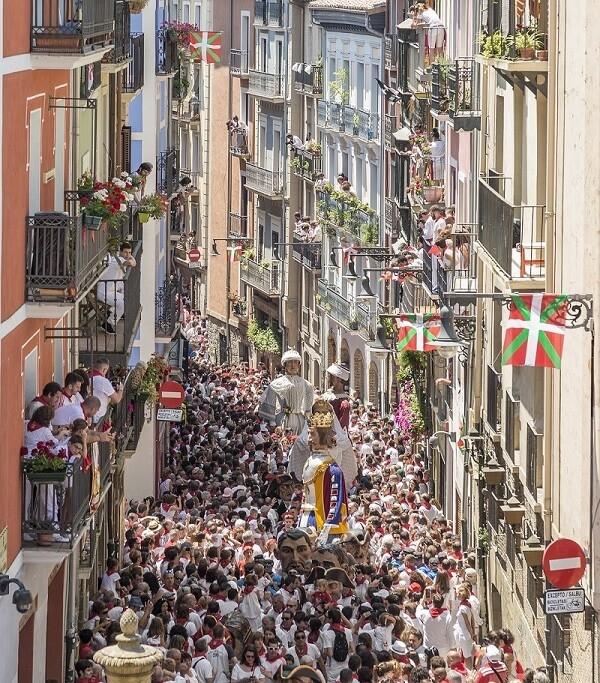 fiestas populares espana san fermin pamplona