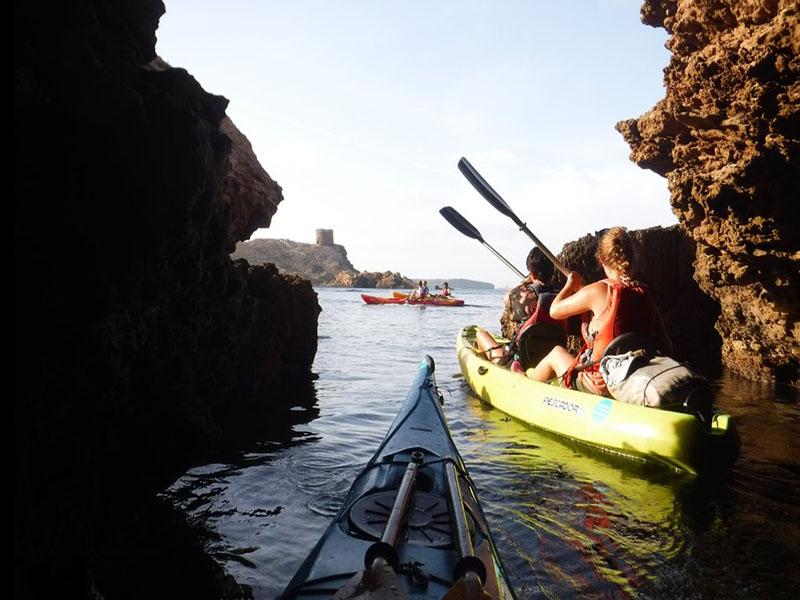 Visitar las Cuevas Marinas en Kayak, Menorca